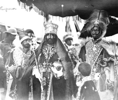 O imperador Haile Selassie numa procissão