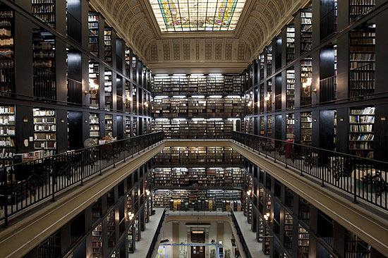 Imagem interna da Biblioteca Nacional (Fonte: Folha.com)